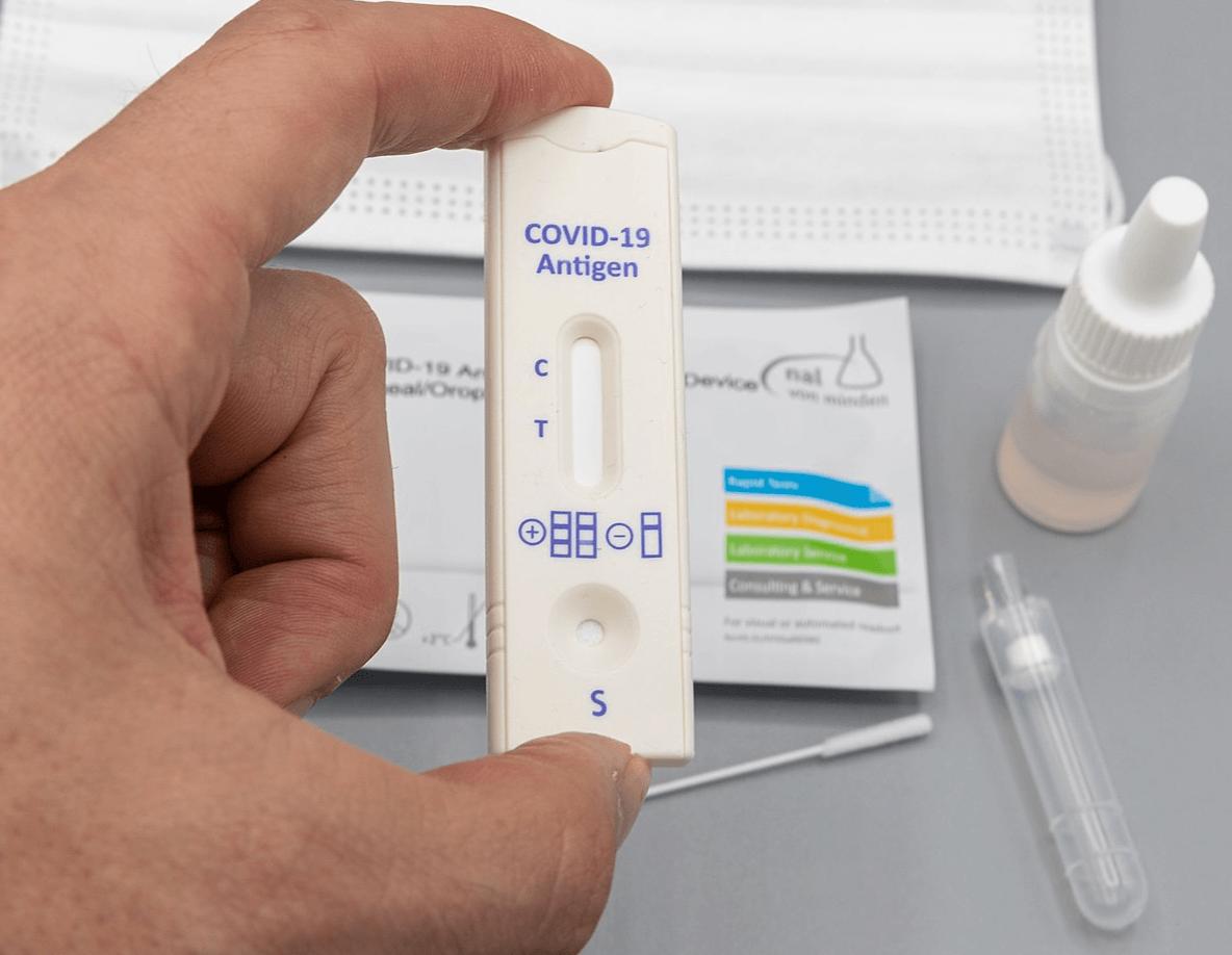 minivacanța paște test covid-19
